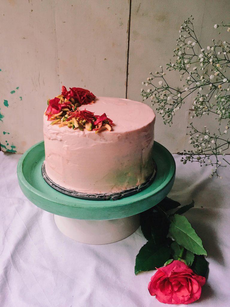 Milk Rose Cake