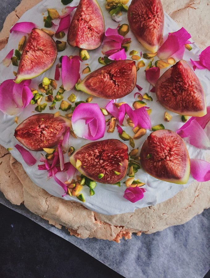 Nigella's Rose and Pepper Pavlova